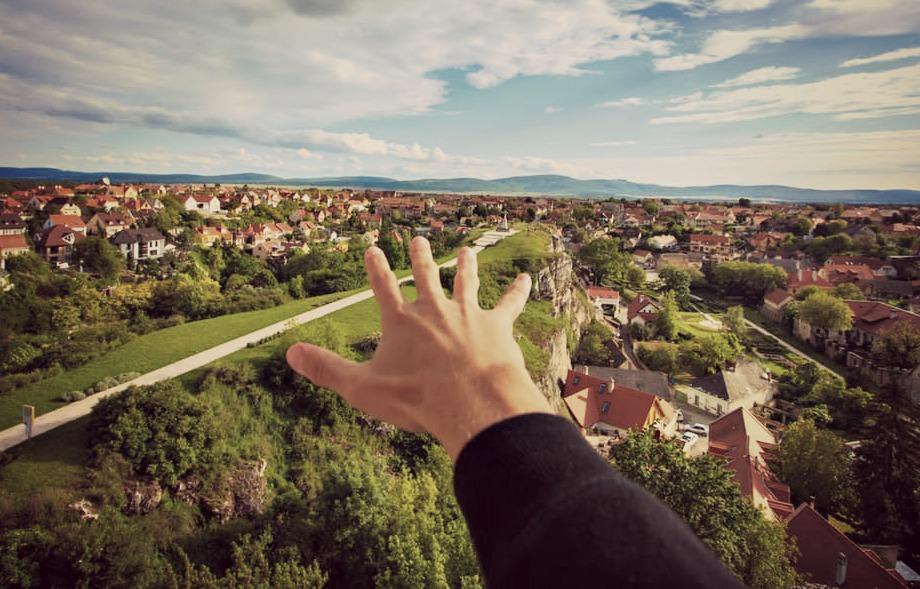 Un projet immobilier vous gâche la vue, modifie la valeur de votre logement ? Contestez-le avec un avocat urbanisme !